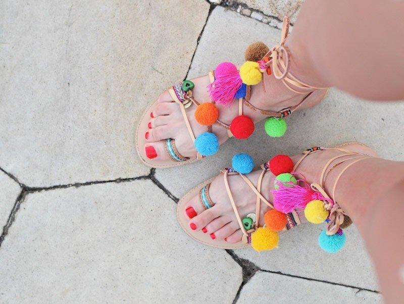 renkli-sandalet