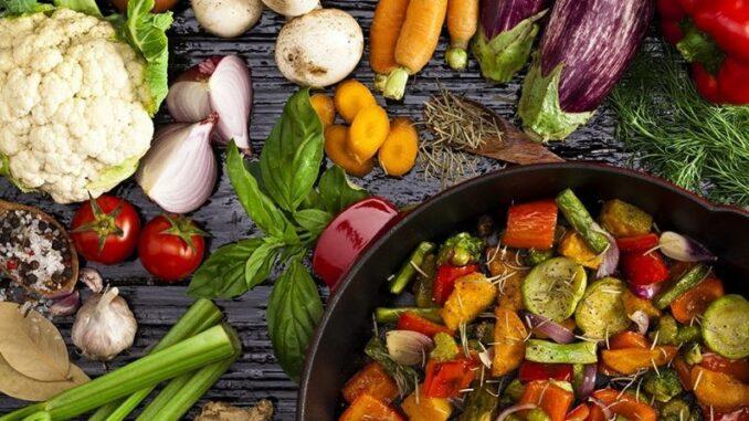 Vejetaryen Beslenen Anne Adayları İçin Vitaminlerin Önemi